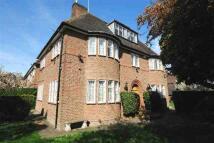 6 bedroom Detached home in Kingsley Way...