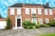 6 bed Detached property in Winnington Road...