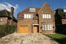 6 bed home in Kingsley Way...