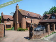 6 bed Detached house in East Green Close...