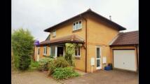 4 bedroom Detached home in Farnham Court...