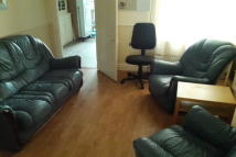 Maisonette to rent in BLETCHLEY