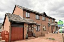 3 bed semi detached house in Strathview Road...