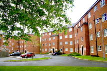 Flat to rent in Lathom Court, Knowsley...