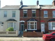 2 bedroom house to rent in Okehampton Road...