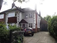 4 bed semi detached house in Meadway, London, N14