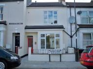 2 bed Ground Flat to rent in Russell Road, London, N13