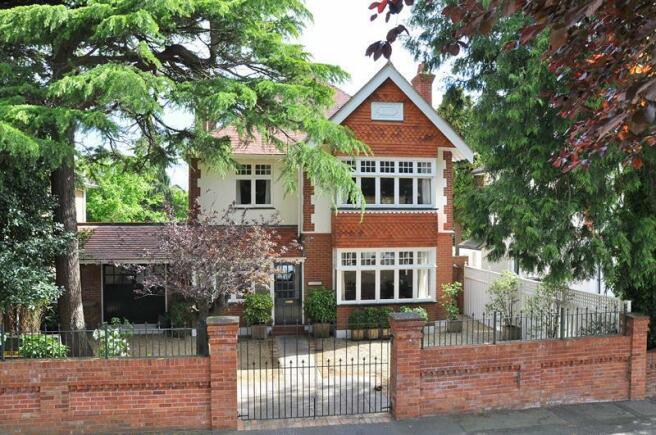 5 Bedroom Detached House For Sale In Richmond Park Avenue Queens