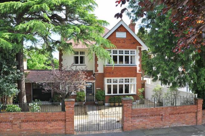 5 Bedroom Detached House For Sale In Richmond Park Avenue Queens