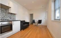 Apartment to rent in Chapel Market, Islington...