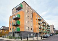3 bed Apartment to rent in Saunders Apartments, Bow...