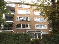 Flat in Woodford Road, London