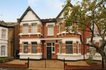 6 bed semi detached home in Snaresbrook, London