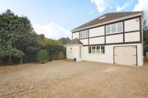 Detached property in Meadow Walk...