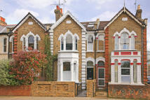 3 bed Terraced home in Gillespie Road, London...