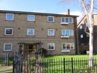 Flat to rent in Broom Square, Southsea,