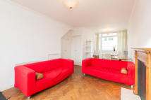 2 bed Flat in Wandsworth Bridge Road...
