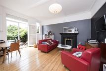 Flat for sale in Thornton Avenue, Balham...