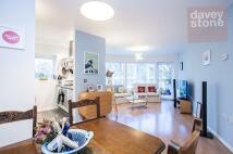 2 bedroom Flat to rent in Kay Street, London, E2