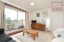2 bedroom Flat for sale in Royal Oak Road, London