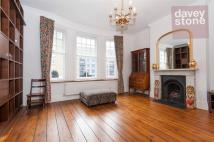 3 bedroom Flat to rent in Lamb Street, London