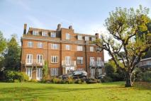 3 bedroom Flat in Hollington Court...