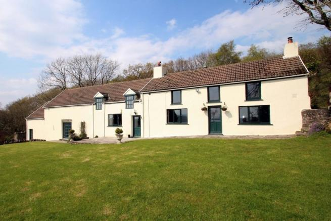 4/5 Bedroom Welsh Fa
