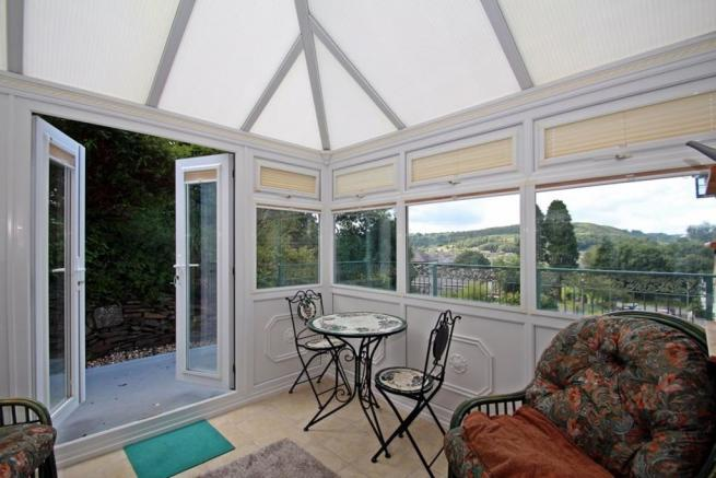Conservatory With Vi