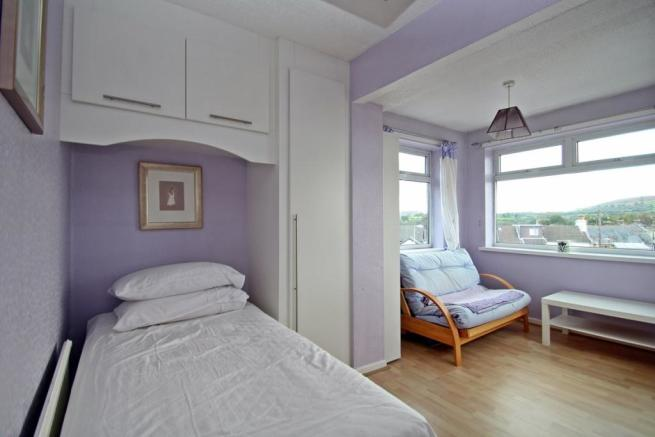 Bedroom 3 With Far R