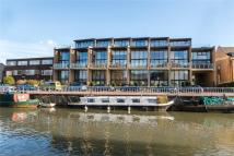 Flat for sale in Water View, Riverside...