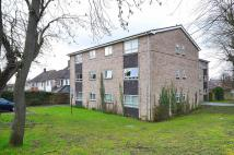 Flat in Bycullah Road, Enfield...