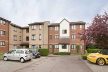 1 bedroom Flat to rent in Magpie Close, Enfield...