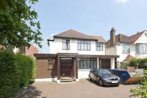 5 bed house in Chase Side, Southgate...