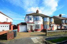 3 bedroom property to rent in Wentworth Gardens...