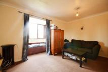 Studio flat to rent in Ainsley Close, Enfield...