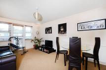 Flat to rent in Southbury Road, Enfield...