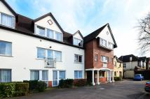 Flat in Village Road, Enfield...