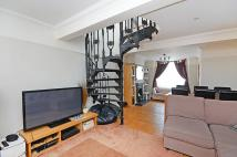 2 bedroom home to rent in Goat Lane, Forty Hill...