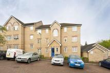 2 bedroom Flat to rent in Kirkland Drive, Enfield...