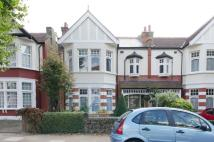 Flat to rent in Conway Road...