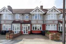 3 bed property in Clovelly Gardens...