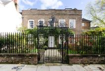 1 bedroom Flat for sale in Gentlemans Row...