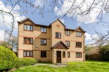 1 bedroom Flat in Woodfield Close...