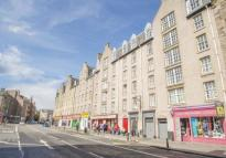 / St Patrick Square Flat to rent