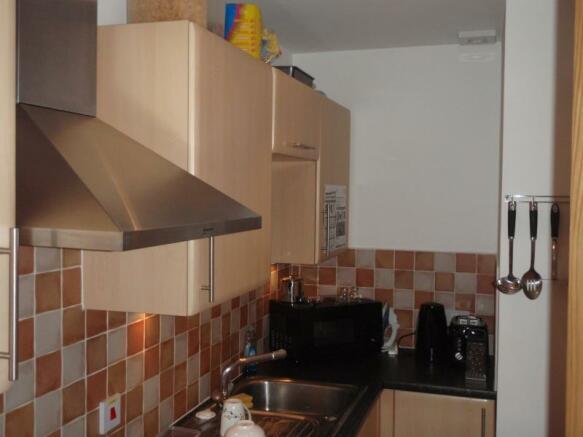 1290_Kitchen.JPG