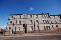 E High Street Flat to rent