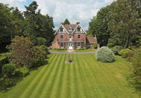 6 bed Detached home in High Broom Road...