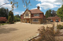 4 bed Detached home for sale in Heavegate Road...