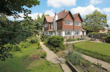 6 bedroom Detached home in Melfort Road...