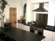 2 bed Ground Flat to rent in Thorncliffe Road...